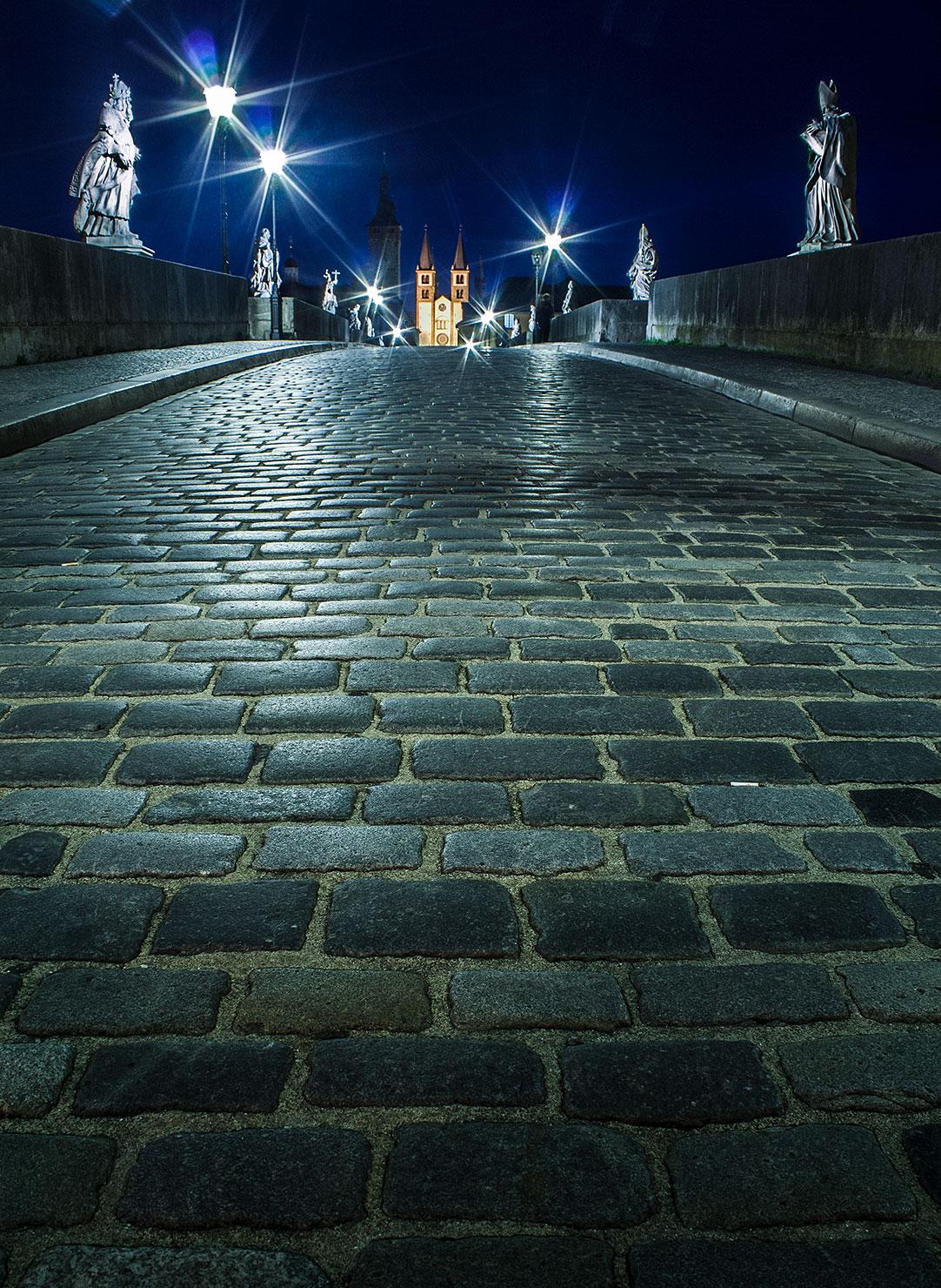 Alte Mainbrücke Würzburg bei Nacht