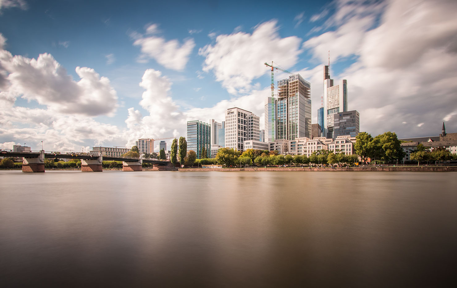 Frankfurt Skyline Wolken