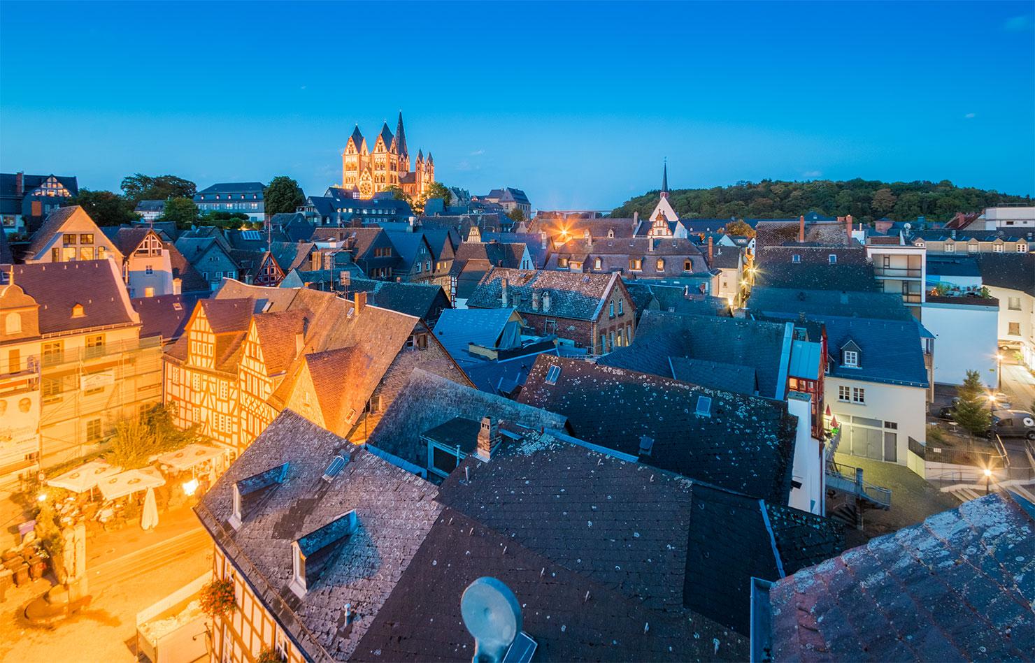Limburg Altstadt blaue Stunde