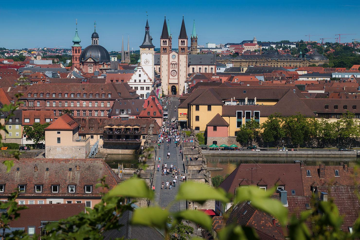 Würzburg Domstrasse Sommer