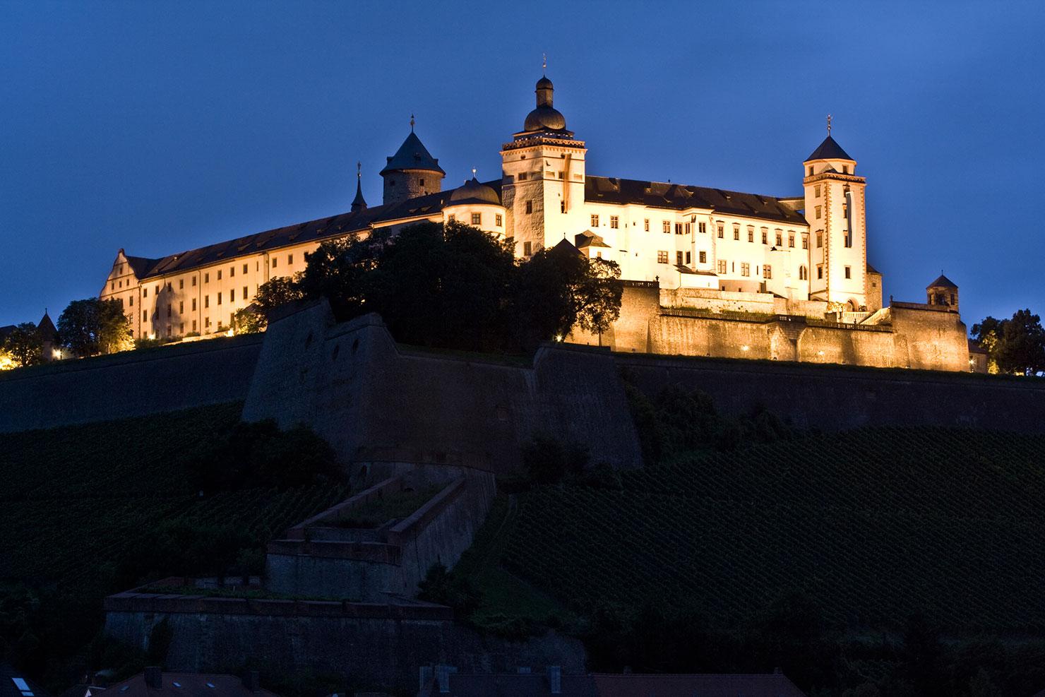 Festung Marienberg Würzburg bei Nacht
