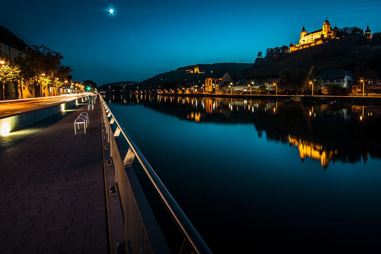 Würzburg Main blaue Stunde