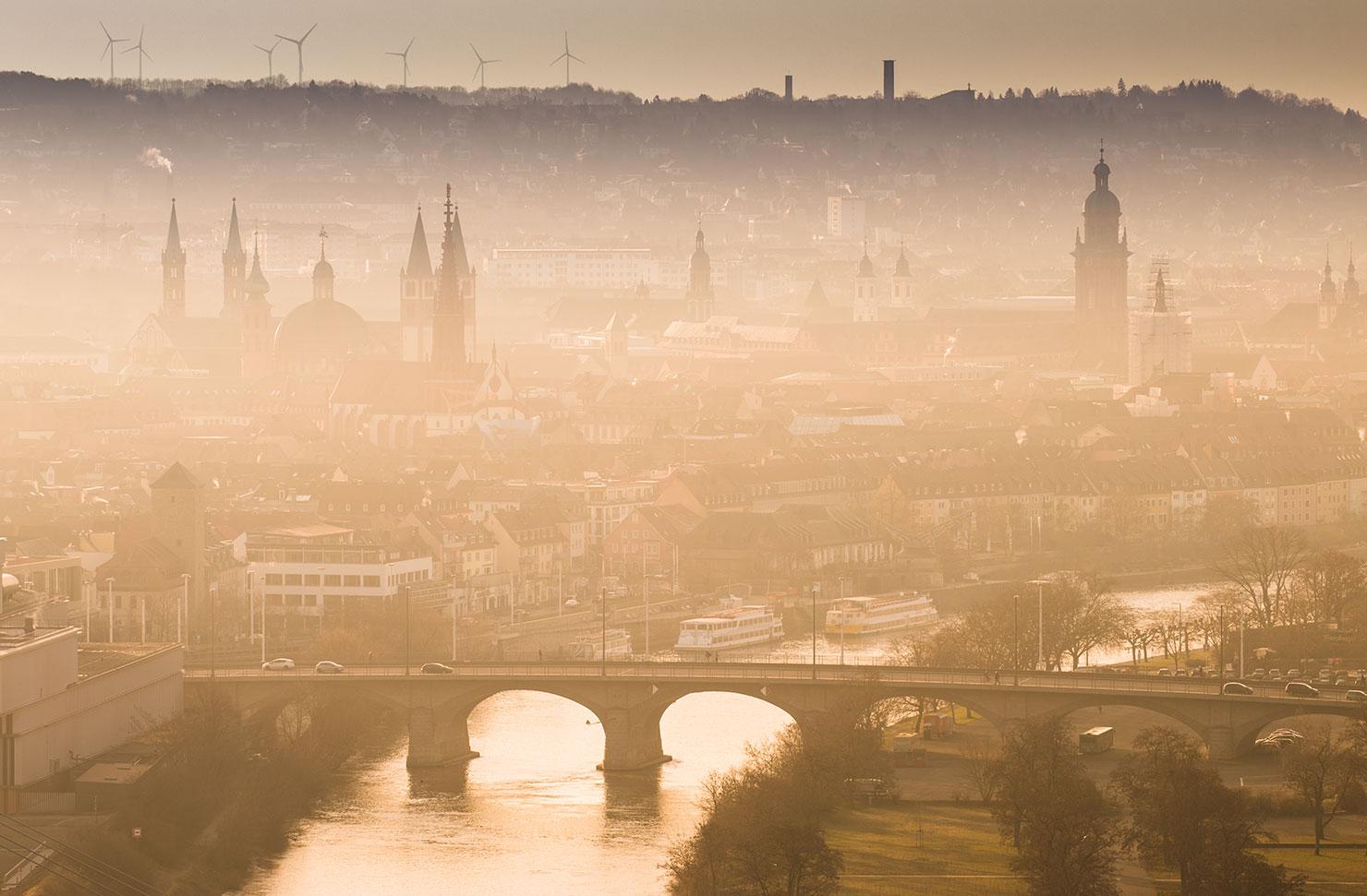 Würzburg im Morgennebel